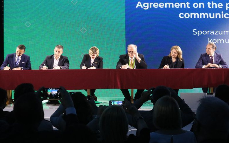 W. Balkans countries sign agreement to scrap roaming fees in 2021