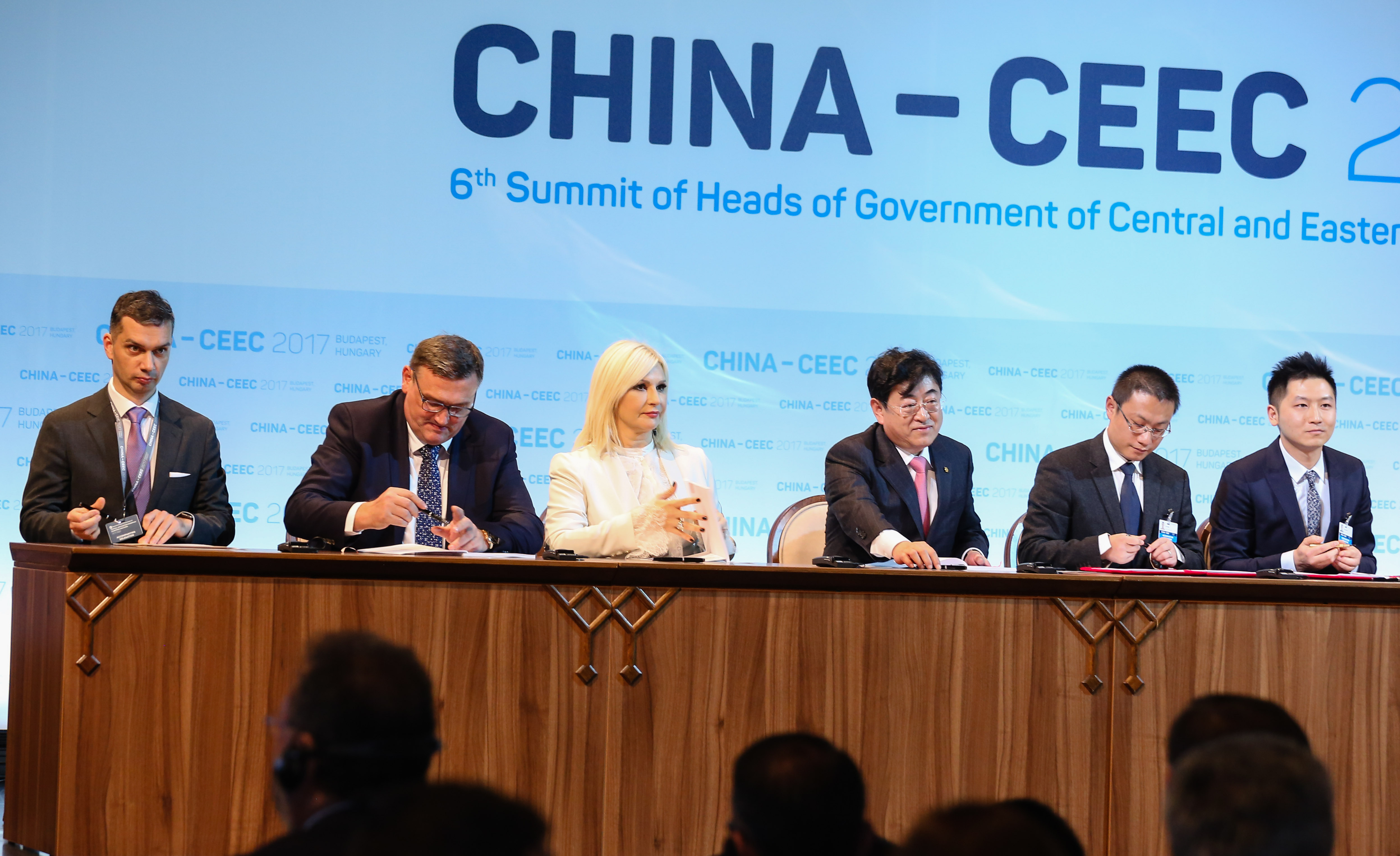 Serbia signs 450 mln euro motorway construction deal with China's CCCC