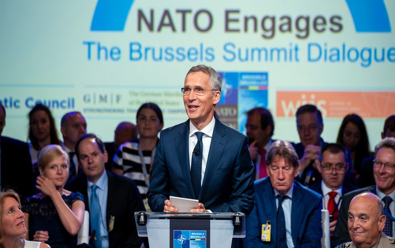 NATO invites Macedonia to start accession talks