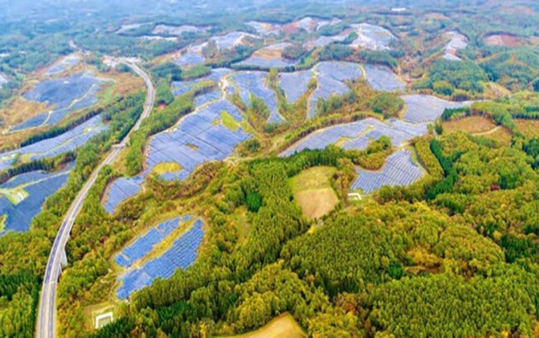 Japan's Renova switches on and takes control of 80-MW solar farm