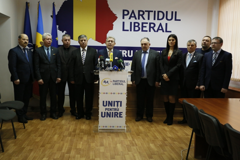 Moldova's liberal party seeks parl support for president's suspension