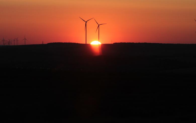 Wind, solar bring 99.7% of US' new power capacity in October