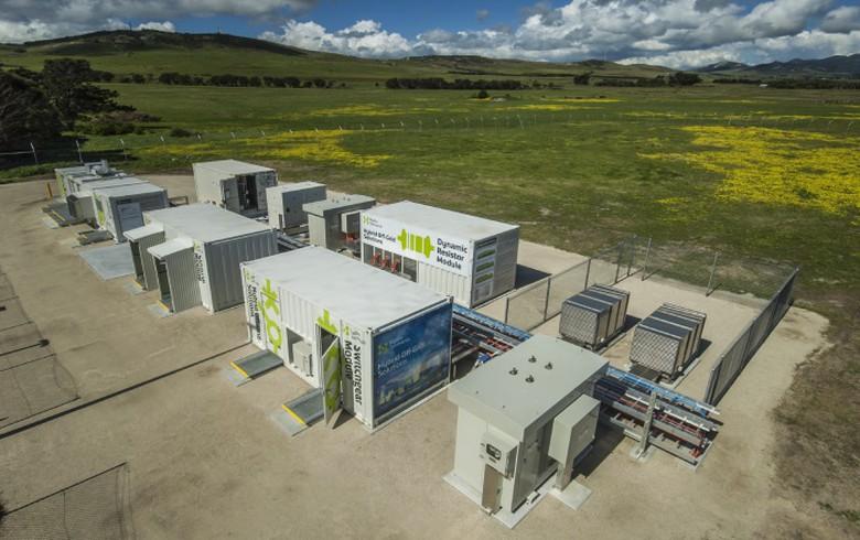 Hydro Tasmania opens Flinders Island hybrid energy hub