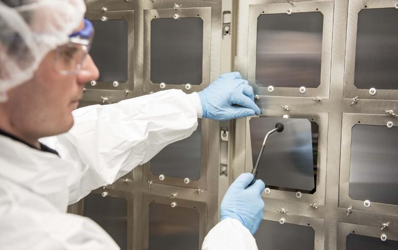 Oxford PV sets 27.3% perovskite-silicon solar cell efficiency record