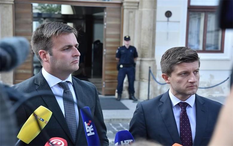 Croatia picks Lazard as new advisor on buying MOL's stake in INA