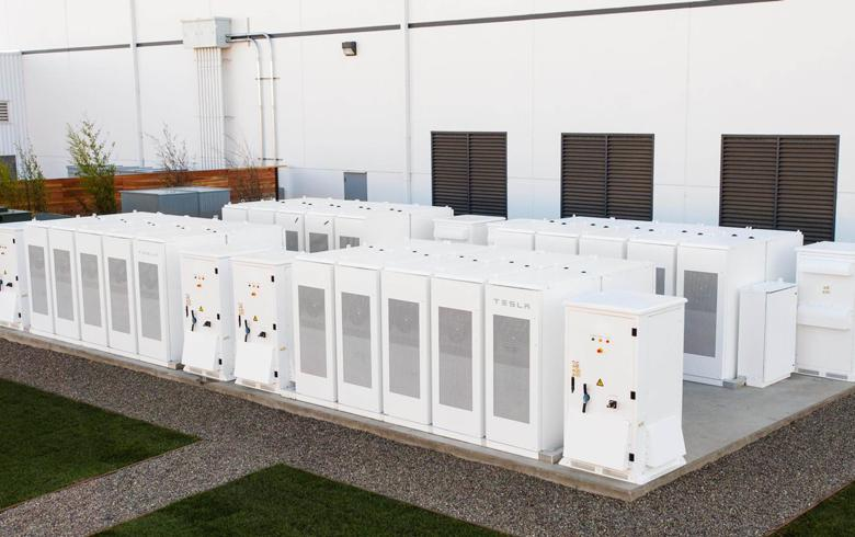 Tesla wins 100-MW battery project in S Australia