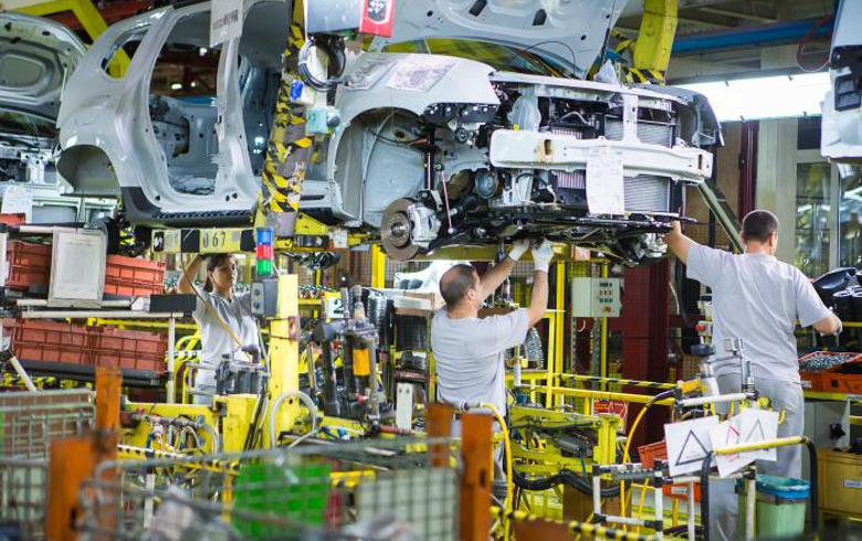 Romanian carmaker Dacia extends plant closure due to COVID-19 pandemic