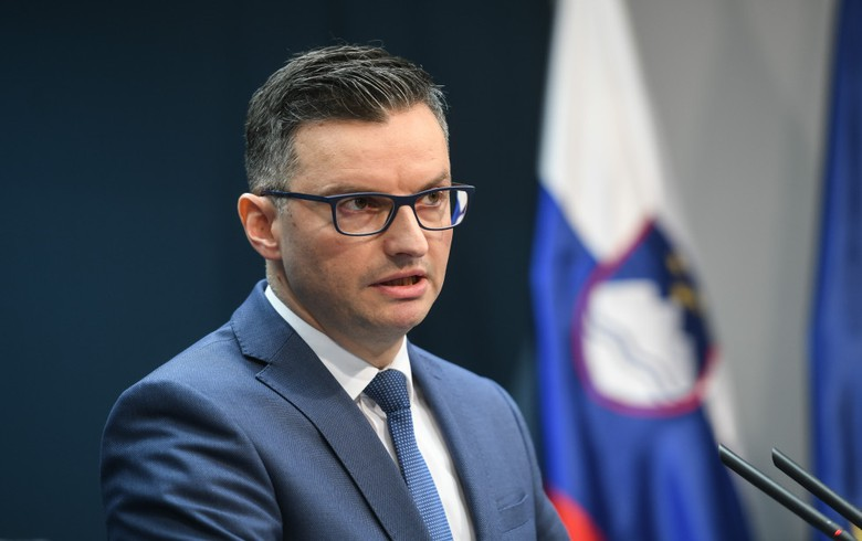 UPDATE 1 - Slovenian PM Sarec resigns, calls for early elections