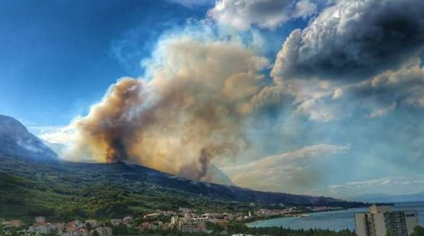 Croatian govt sends troops to fight forest fire in coastal county