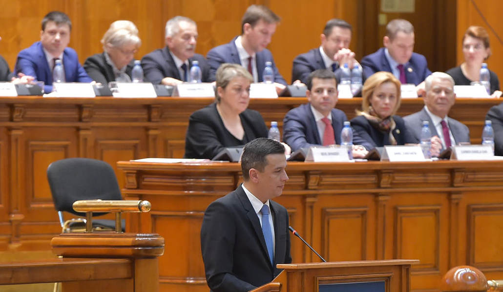 Romanian government survives censure motion