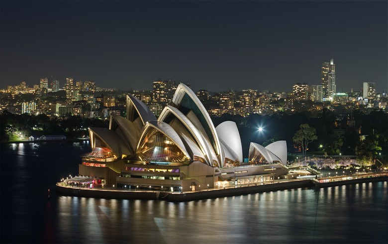 Sydney Opera House embraces wind, solar with Flow Power's help