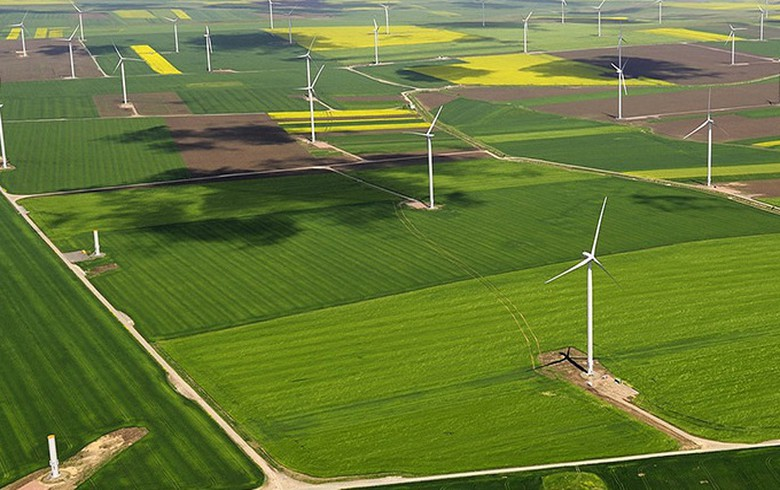 Spanish subsidy-free wind project of 300 MW secures financing