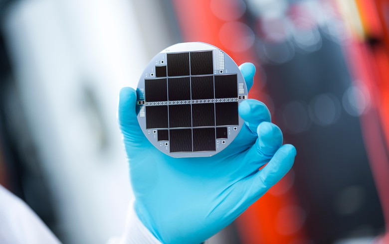 Fraunhofer ISE, EVG develop 33.3% silicon-based multijunction solar cell