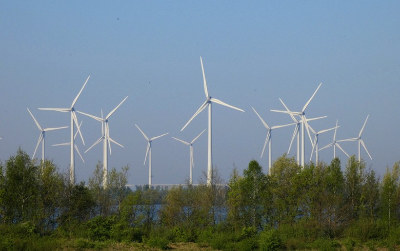 Wind park of 102 MW opens to power Philips in Netherlands