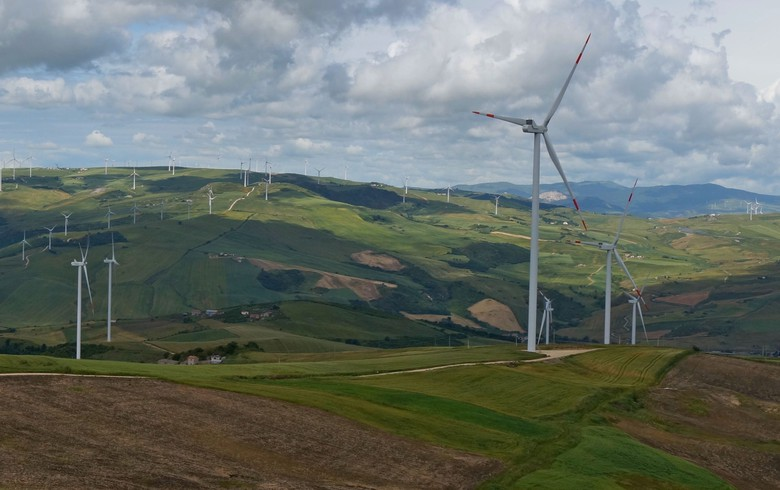 BayWa closes financing for 66-MW wind portfolio in Italy