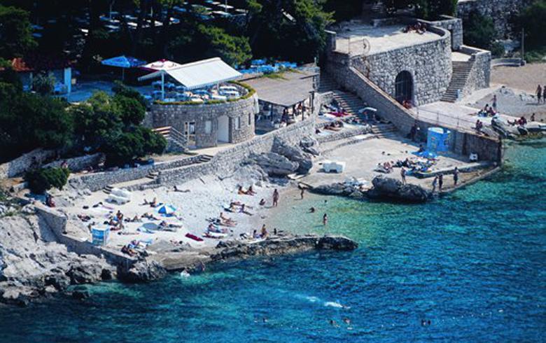 Croatia's PND Strategija raises stake in Hoteli Maestral to 94.43%