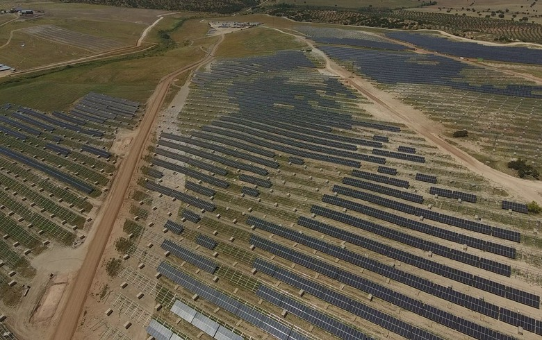 China's GCL SI to soon ship modules for 500-MW PV megaproject in Spain