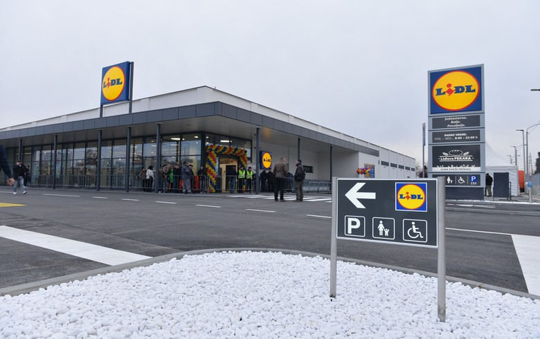 CORRECTED - Germany's Lidl to open two more stores in Serbia