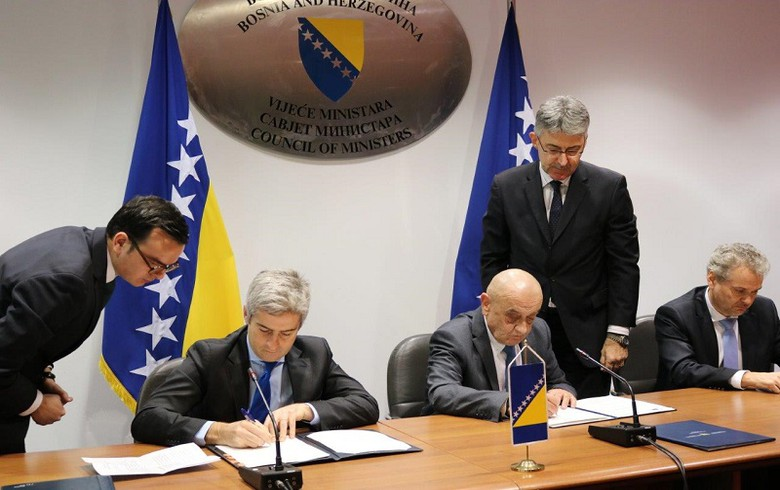 Bosnia signs three funding deals worth 68 mln euro with EIB