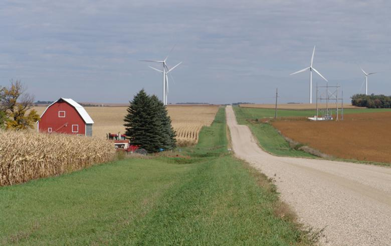 UPDATE - Juhl Energy to focus on 5-MW wind/solar hybrid projects