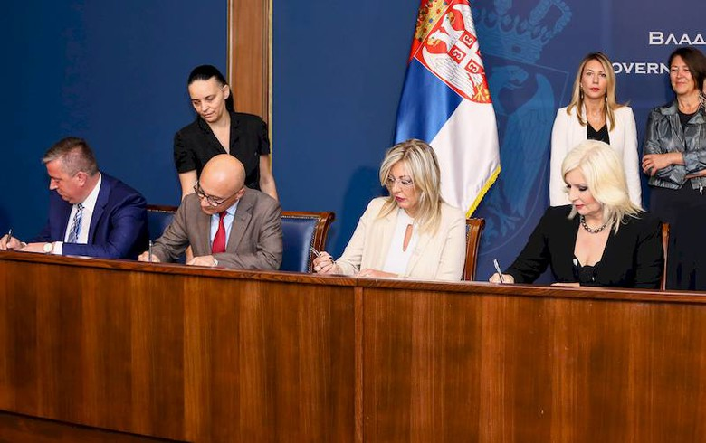 EIB lends 100 mln euro to support Serbian motorway project