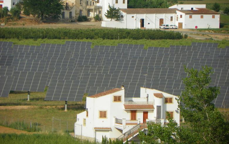 Eiffage Energia to build 311 MW of solar parks for X-Elio in Spain