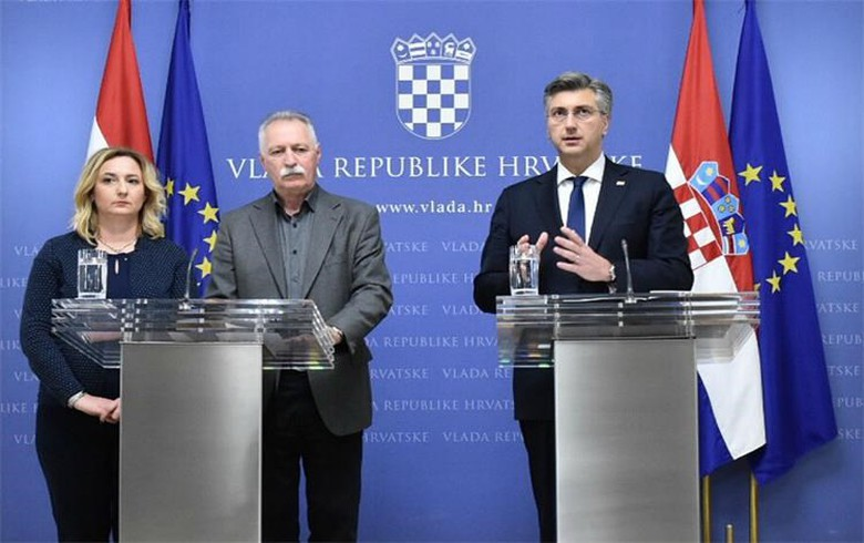 Croatian govt, teachers agree on pay hike, schools to reopen on Tuesday