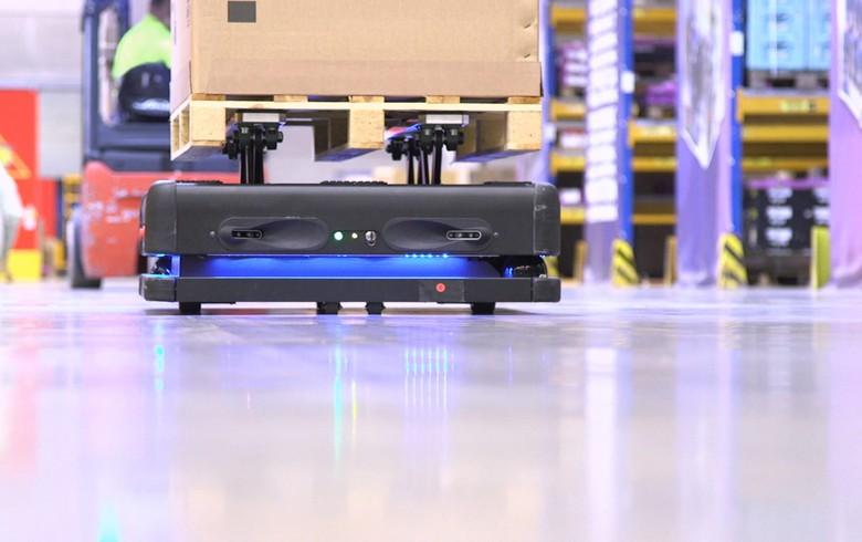 DB Schenker deploys logistics robots of Croatia's Gideon Brothers