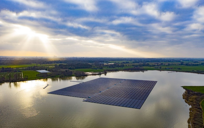 BayWa constructing 27.4-MWp floating solar array in Netherlands