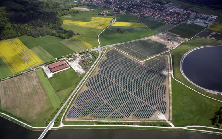 Oversubscribed German joint tender awards 211 MW of solar