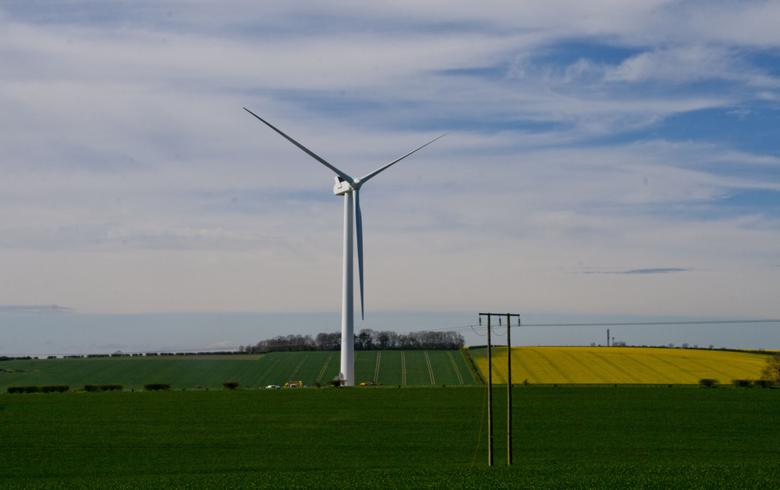 UK's Quercus to shed 320 MW-portfolio of wind, solar - report