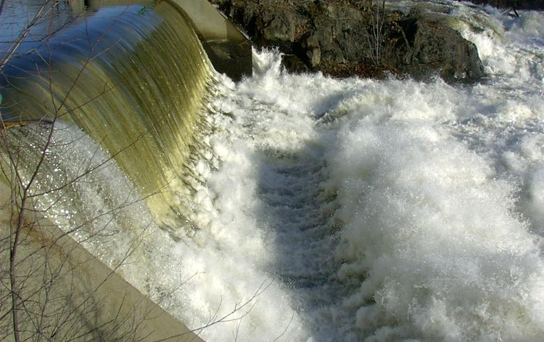 Serbia to invest 800 mln euro in overhaul of hydro power plants - report