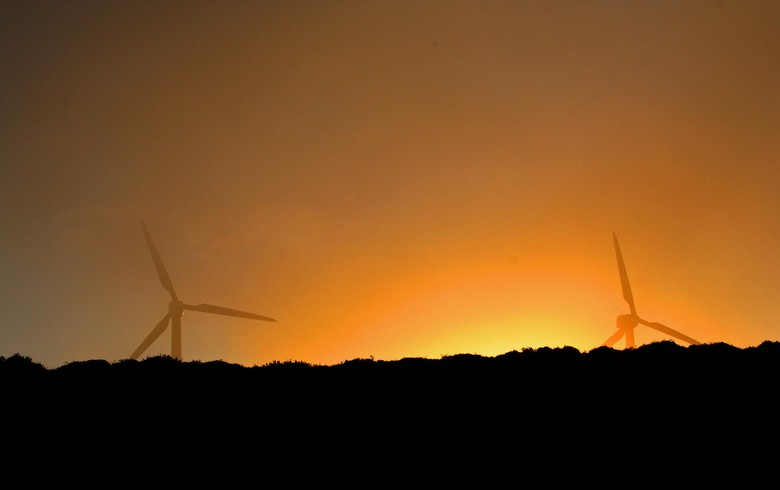 Wind firms win most of Spain's 3-GW auction
